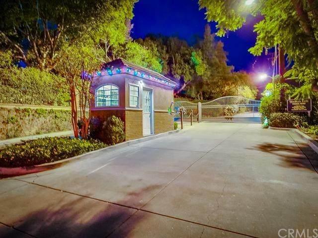 39 Woodlyn Lane, Bradbury, CA 91008 (#AR20176272) :: Crudo & Associates