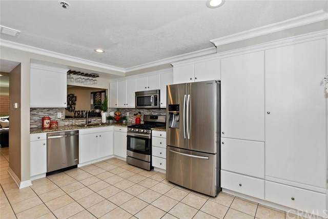 25885 Trabuco Road #203, Lake Forest, CA 92630 (#PW20176395) :: Provident Real Estate