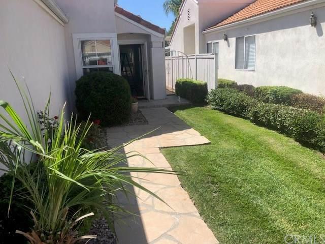 28187 Palm Villa Drive, Menifee, CA 92584 (#SW20181145) :: The Najar Group