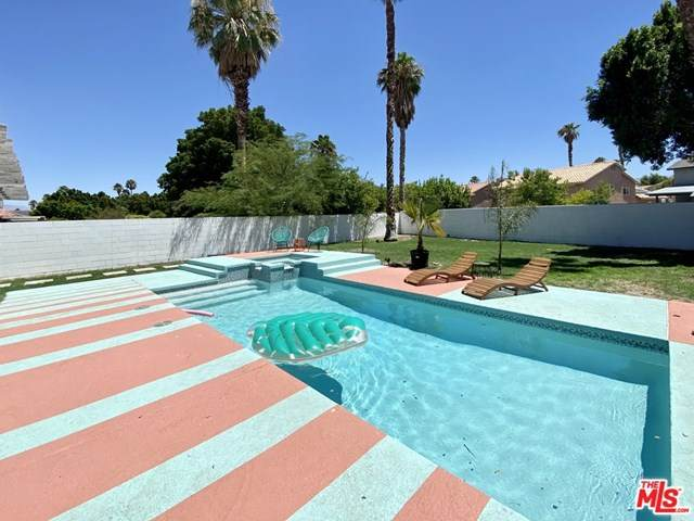 68725 Tachevah Drive, Cathedral City, CA 92234 (#20627522) :: The Laffins Real Estate Team
