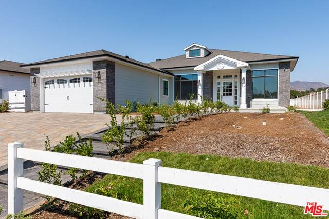 10160 Wealtha Avenue, Sun Valley, CA 91352 (#20626104) :: Zutila, Inc.