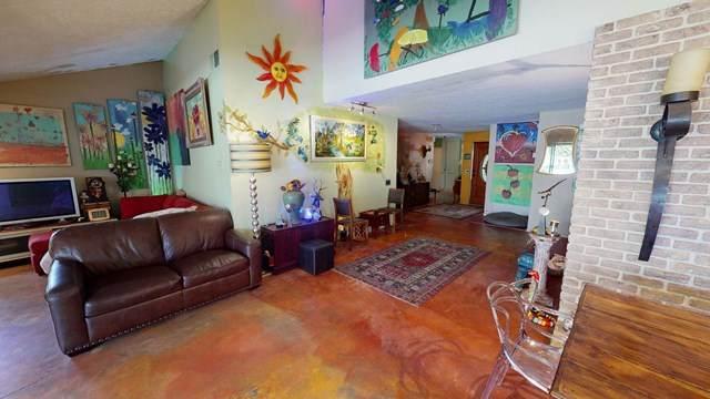 2702 Alondra Way, Palm Springs, CA 92264 (#219048892PS) :: eXp Realty of California Inc.