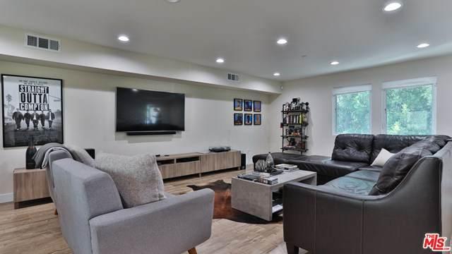 16543 Vine Terrace, Van Nuys, CA 91406 (#20627196) :: Team Tami