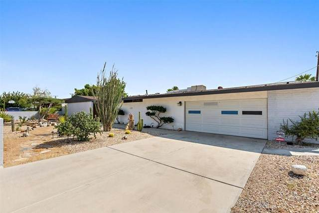 3006 N Chuperosa Road, Palm Springs, CA 92262 (#219048973PS) :: Go Gabby