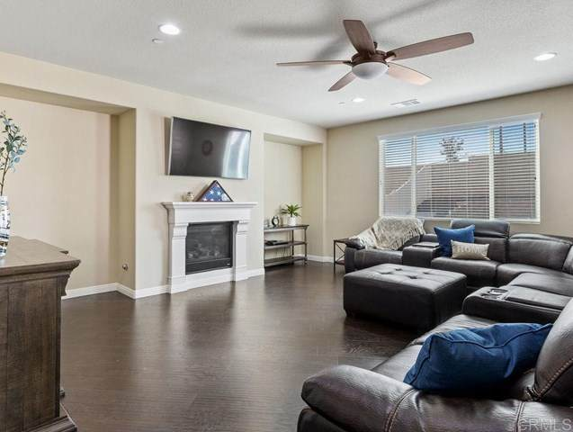30095 Wales Court, Menifee, CA 92584 (#200043049) :: The Najar Group