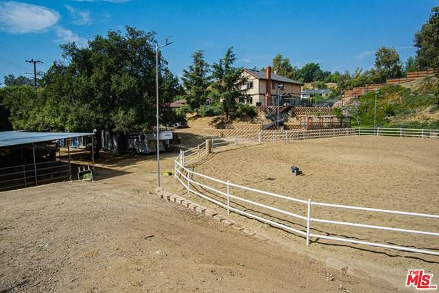 10610 La Canada Place, Sunland, CA 91040 (#20628228) :: The Miller Group