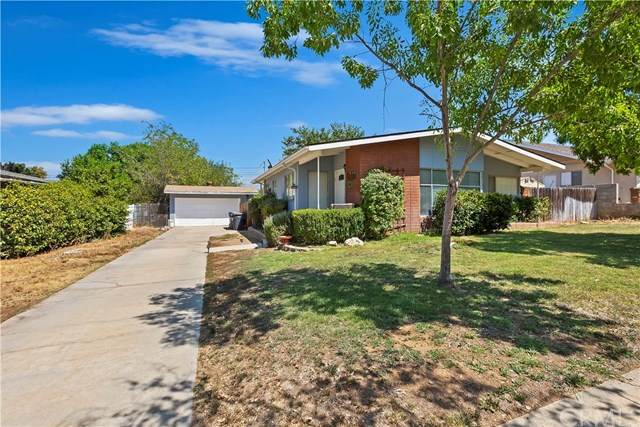829 Nottingham Drive, Redlands, CA 92373 (#CV20182891) :: The Results Group