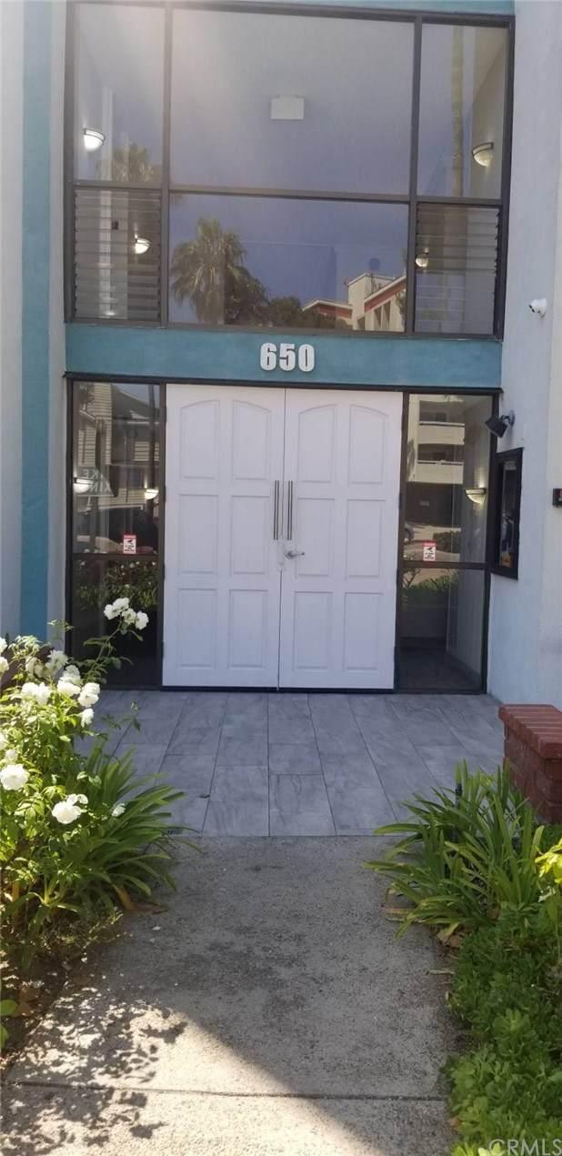 650 The Village #303, Redondo Beach, CA 90277 (MLS #SB20184979) :: Desert Area Homes For Sale