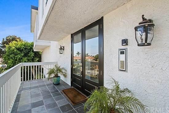 2000 Voorhees #4, Redondo Beach, CA 90278 (#SB20179938) :: Compass