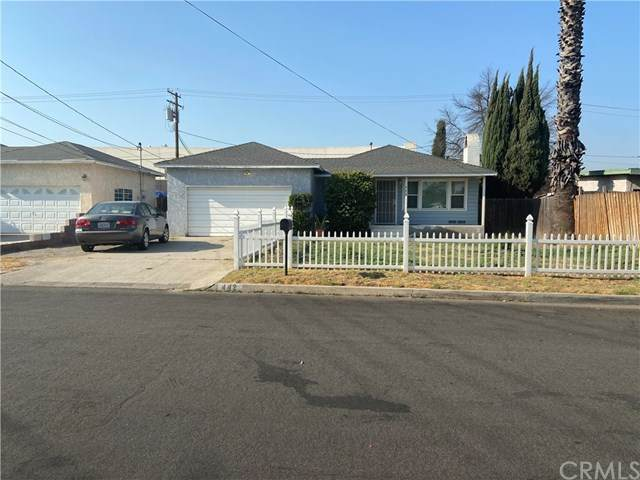 442 E Elm Court, Rialto, CA 92376 (#CV20186440) :: The Najar Group