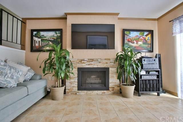 10950 Saticoy Street #17, Sun Valley, CA 91352 (#PW20184817) :: Crudo & Associates