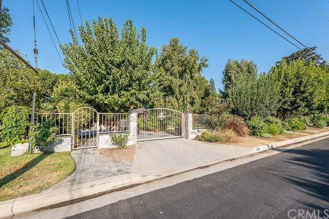 8901 Wheatland Avenue, Sun Valley, CA 91352 (#BB20185579) :: The Najar Group