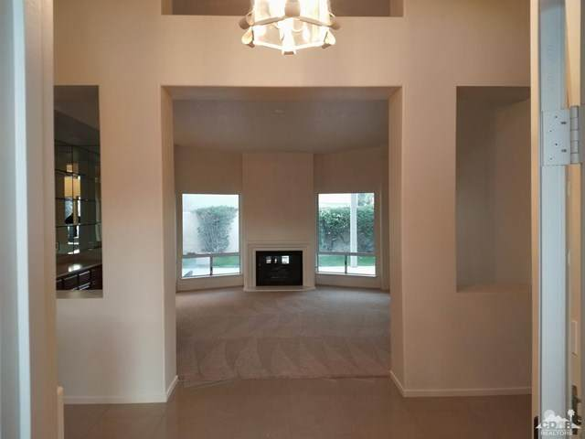 40403 Barington Drive, Palm Desert, CA 92211 (#219049430DA) :: Team Forss Realty Group