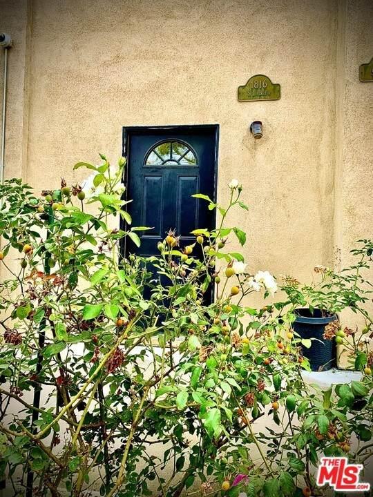 1816 La Brea Avenue - Photo 1