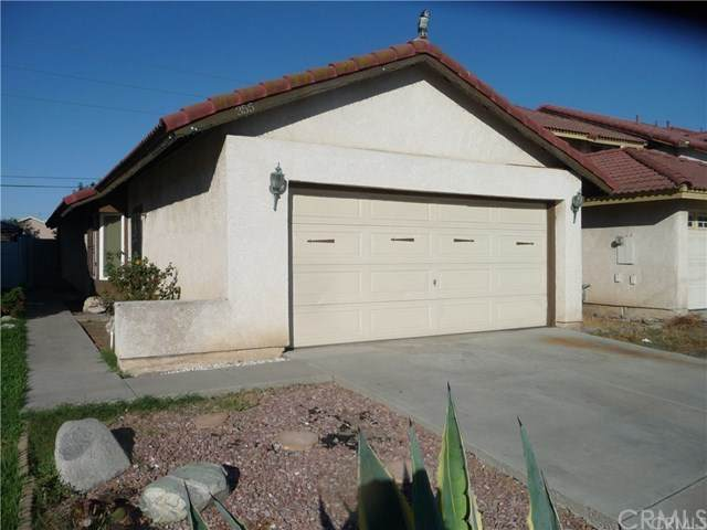 355 S Grape Avenue, Compton, CA 90220 (#RS20192022) :: Team Tami