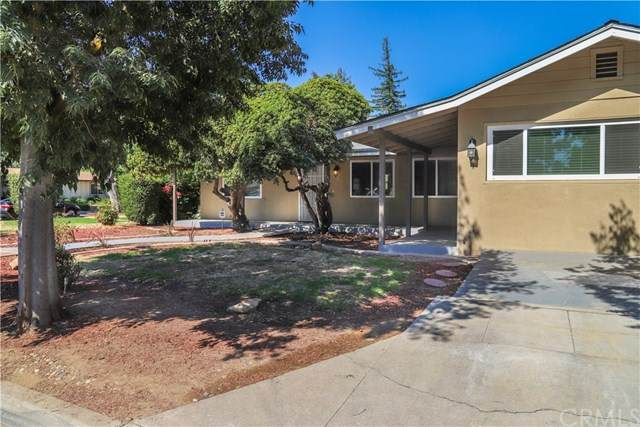 1245 E Sussex Way, Fresno, CA 93704 (#FR20192244) :: The Najar Group