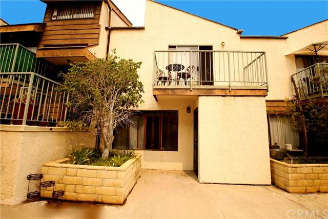 746 N Eucalyptus Avenue #9, Inglewood, CA 90302 (#IN20192183) :: Hart Coastal Group
