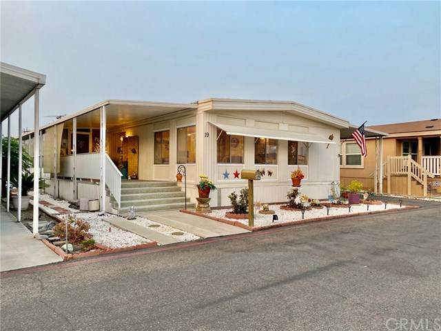 19 Pine Via, Anaheim, CA 92801 (#PW20191345) :: The Laffins Real Estate Team