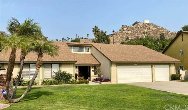 23076 Peacock Court, Grand Terrace, CA 92313 (#EV20192857) :: Hart Coastal Group