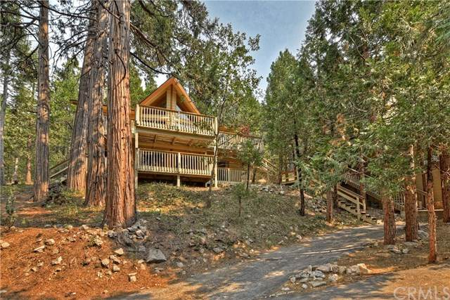 109 N Grass Valley Road, Lake Arrowhead, CA 92352 (#EV20192977) :: Rogers Realty Group/Berkshire Hathaway HomeServices California Properties