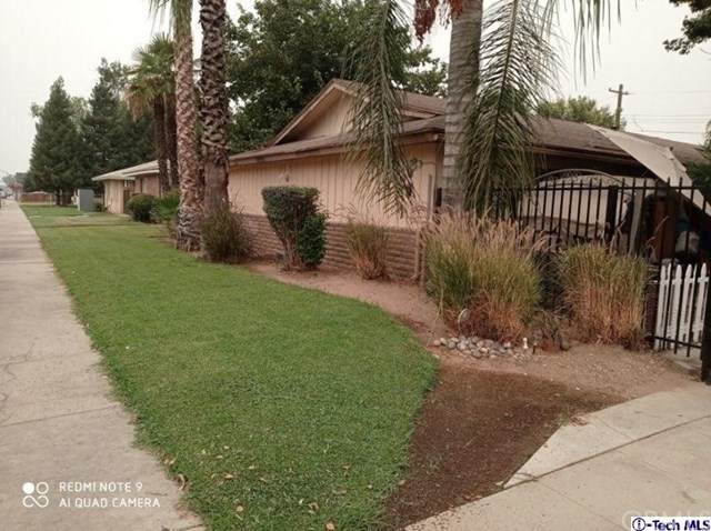 3243 E Clinton Avenue, Fresno, CA 93703 (#320003283) :: The Najar Group