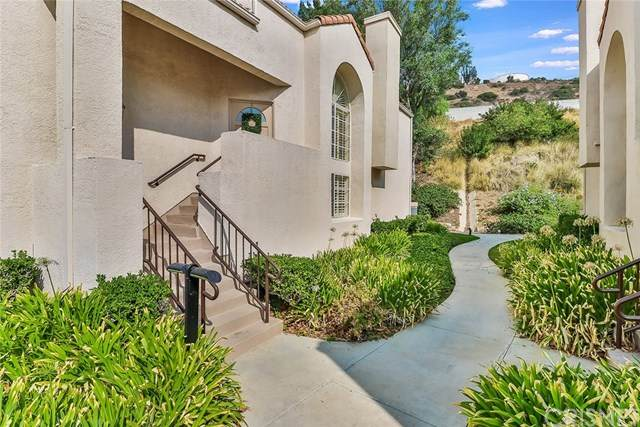 11372 Old Ranch Circle, Chatsworth, CA 91311 (#SR20191944) :: The Laffins Real Estate Team