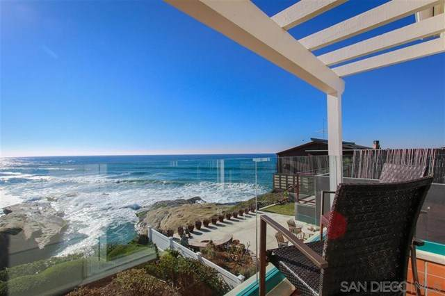 1724 Ocean Front St #4, San Diego, CA 92107 (#200045290) :: The Najar Group