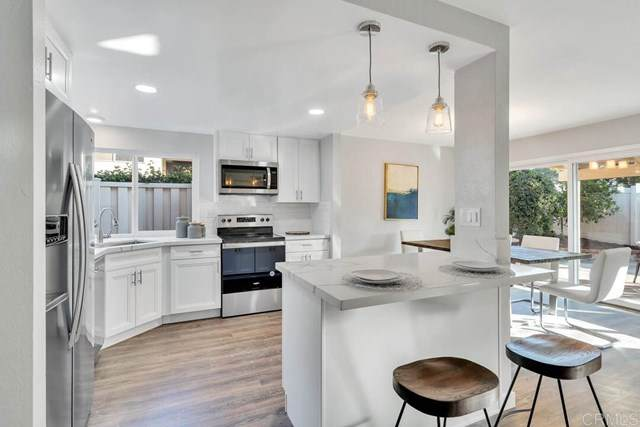 4315 Mirage Lane, Oceanside, CA 92056 (#200045437) :: The Costantino Group | Cal American Homes and Realty