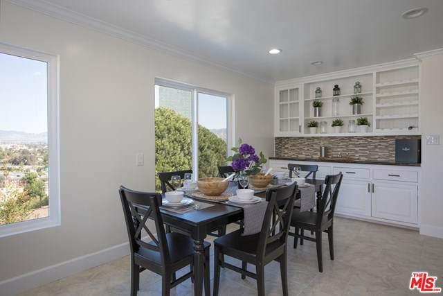 3907 Fredonia Drive, Los Angeles (City), CA 90068 (#20633830) :: The Najar Group