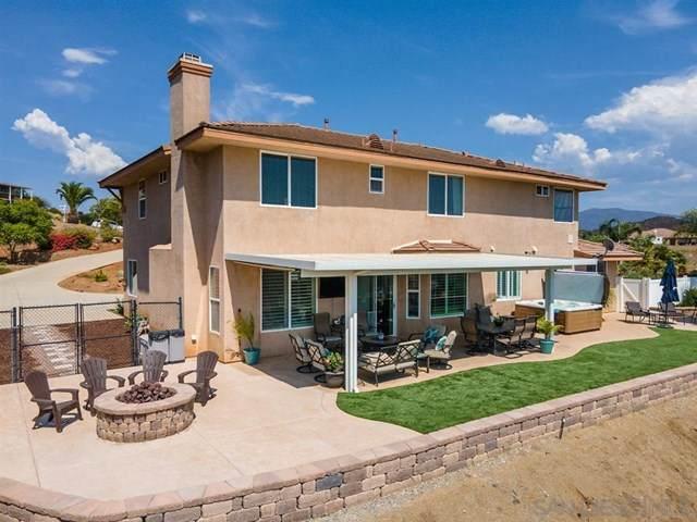 15313 Creek Hills, El Cajon, CA 92021 (#200045580) :: Team Tami
