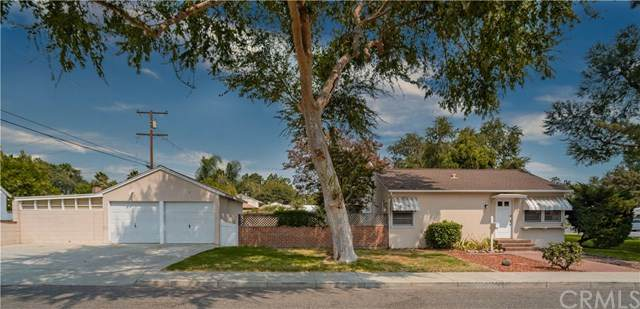 1909 Berkeley Avenue, Pomona, CA 91768 (#PW20194338) :: Team Tami