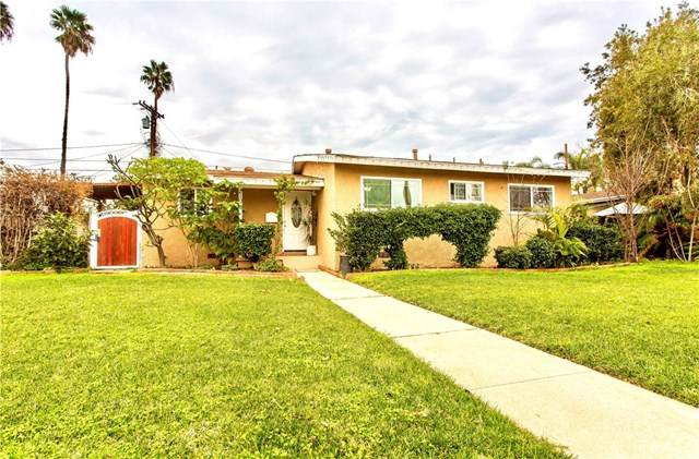 210 W Ball Road, Anaheim, CA 92805 (#PW20193129) :: Rogers Realty Group/Berkshire Hathaway HomeServices California Properties