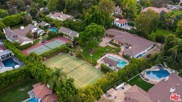 4678 White Oak Avenue, Encino, CA 91316 (#20634458) :: Hart Coastal Group