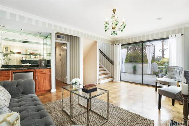 16030 Moorpark Street #1, Encino, CA 91436 (#SR20193567) :: The Laffins Real Estate Team