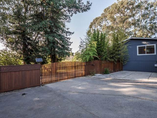 1062 Lewis Circle, Santa Cruz, CA 95062 (#ML81811549) :: Rogers Realty Group/Berkshire Hathaway HomeServices California Properties