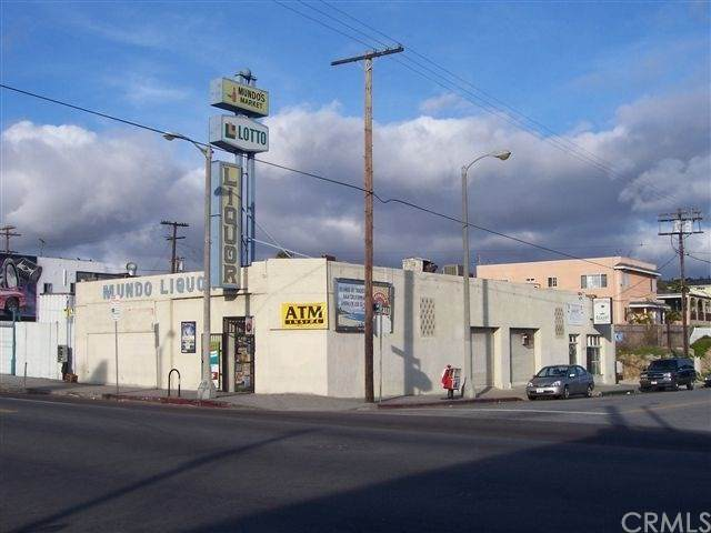 140 S Pacific Avenue, San Pedro, CA 90731 (#SB20195875) :: Go Gabby