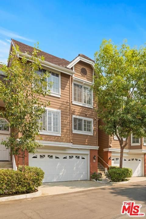 20950 Oxnard Street #39, Woodland Hills, CA 91367 (#20634972) :: The Laffins Real Estate Team