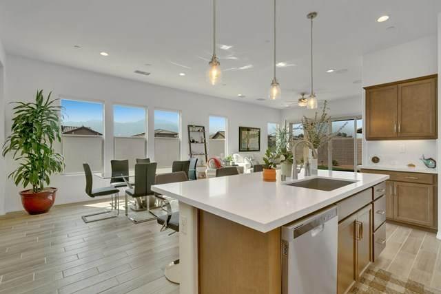 10 Bordeaux, Rancho Mirage, CA 92270 (#219049929PS) :: Crudo & Associates