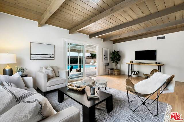 16852 Citronia Street, Northridge, CA 91343 (#20634858) :: The Laffins Real Estate Team