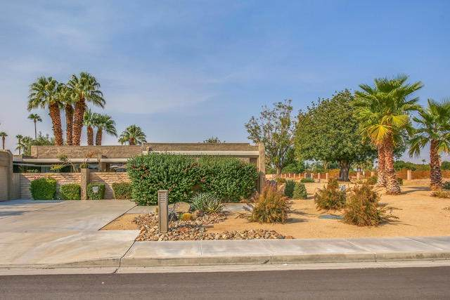 2094 Tamarisk Road, Palm Springs, CA 92262 (#219049957DA) :: The Houston Team | Compass