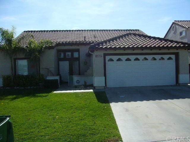 25637 Sierra Calmo Court, Moreno Valley, CA 92551 (#IV20196660) :: The Laffins Real Estate Team