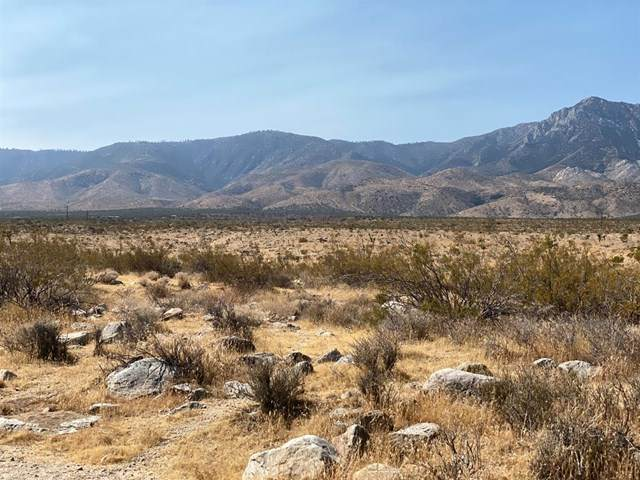 0 Near Pitzer Buttes Road, Lucerne Valley, CA 92356 (#528402) :: A|G Amaya Group Real Estate