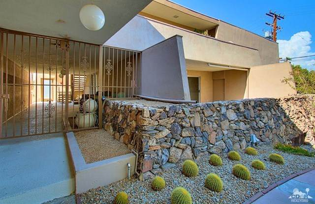 197 W Via Lola #10, Palm Springs, CA 92262 (#219049995DA) :: The Houston Team | Compass