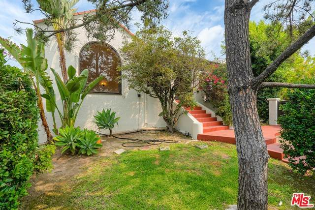 3215 Lowry Road, Los Angeles (City), CA 90027 (#20633434) :: Berkshire Hathaway HomeServices California Properties