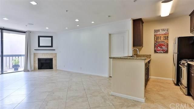 7320 Hawthorn Avenue #411, Hollywood, CA 90046 (#SB20196256) :: RE/MAX Masters