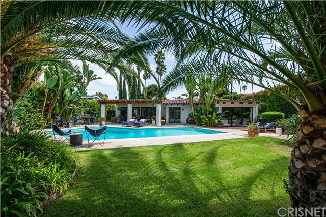 4927 Hayvenhurst Avenue, Encino, CA 91436 (#SR20197492) :: The Laffins Real Estate Team