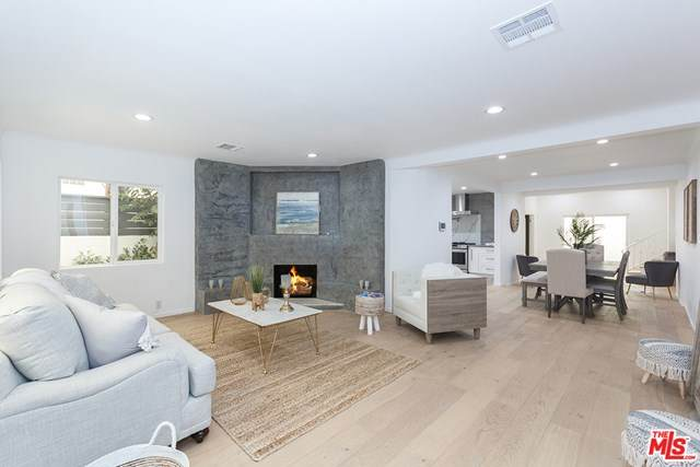 2845 S Barrington Avenue, Los Angeles (City), CA 90064 (#20632386) :: The Najar Group