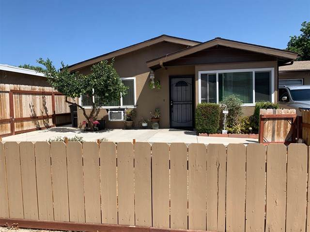 104 N Rose St., Escondido, CA 92027 (#200045964) :: Hart Coastal Group