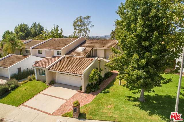 2637 Angelo Drive, Los Angeles (City), CA 90077 (#20633606) :: The Miller Group