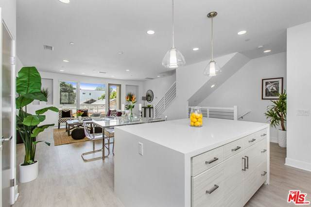 6070 W Studio Court, Los Angeles (City), CA 90038 (#20635666) :: A|G Amaya Group Real Estate
